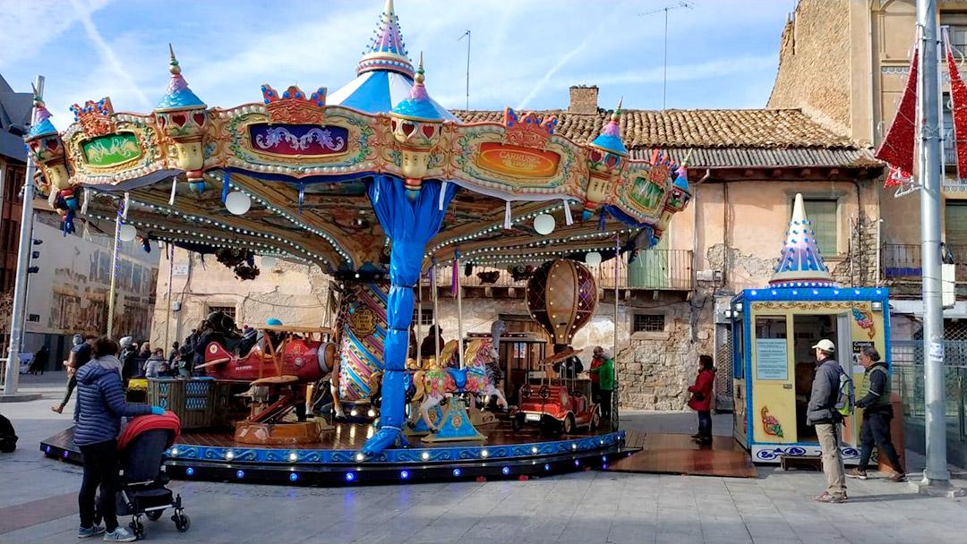 Carrusel Caballitos: Jaca, Plaza Biscós del 5 de diciembre al 12 de enero